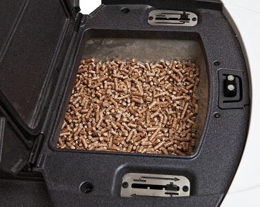 Zasobnik przy kotle na pellet